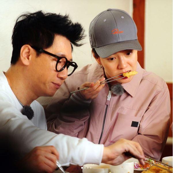 Song Ji Hyo and Ji Suk Jin, Running Man ep. 344.