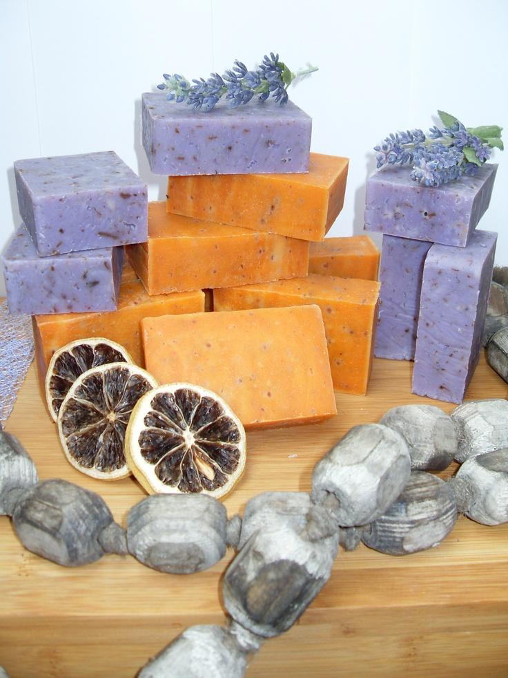 Ambachtelijke 100% natuurlijke handgemaakte zeep: Oranjebloesemzeep en Lavendelzeep. © Creatieve Kunst
