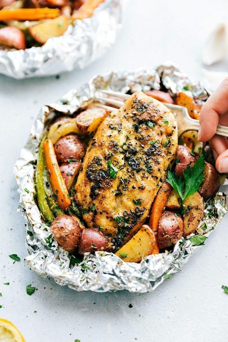 Package of aluminum chicken and Italian vegetables | Just in time for a barbecue. Hot ……   – Foil Pack Dinner Recipe
