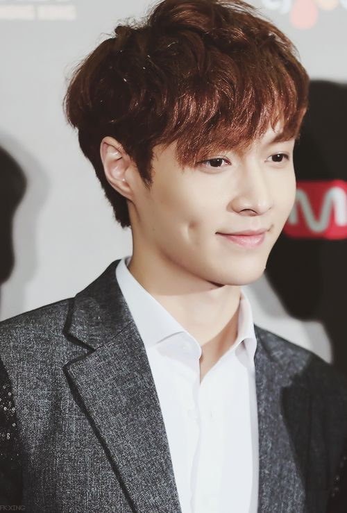 Lay/Yixing - The secon...