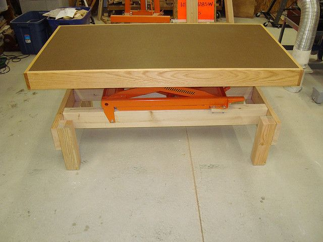 Adjustable height workbench and assembly table by Duane McGuire, via Flickr