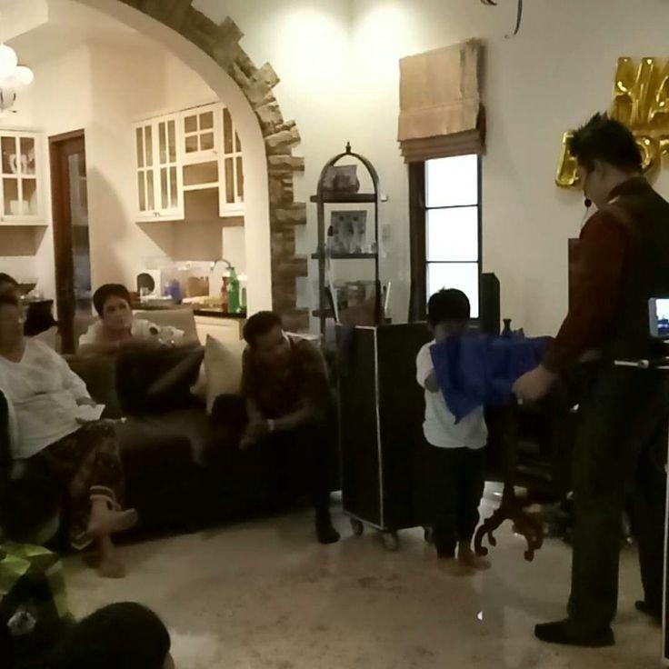 Mister Gandhi Magic Show at Birthday Party TMII Home   Pastikan Event Anda Dihubur Dengan Sulap   www.gandhimagician.com