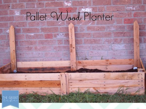 Easy Homemade Crafts: Pallet Wood PlanterGardens Ideas, Pallets Wood, Homemade Crafts, Gardens Diy, Wood Planters, Pallets Projects, Fall Gardens, Pallets Crafts, Pallet Wood