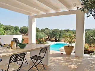 Dimora+del+Sole+-+Elegant+Lamia+voor+6+personen+met+uitzicht+op+het+zwembad+en+een+panoramisch+++Vakantieverhuur in Brindisi van @homeaway! #vacation #rental #travel #homeaway