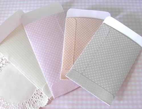 des petites pochettes en papier, à télécharger