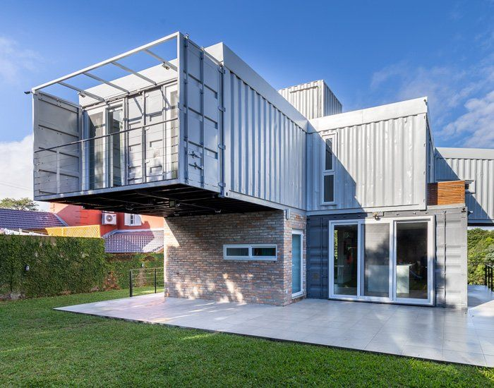 Ks Arquitetos Builds A Stacked Container House For A Metalworker In Brazil In 2020 With Images Container House Shipping Container Homes Shipping Container Home Designs