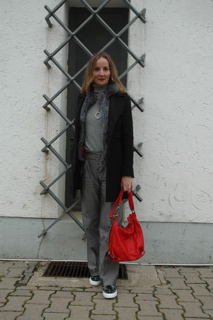 Ruf der Wildnis - Cabanmantel mit Animalprint sneakers & fake fur Weste.    Oceanblue Style