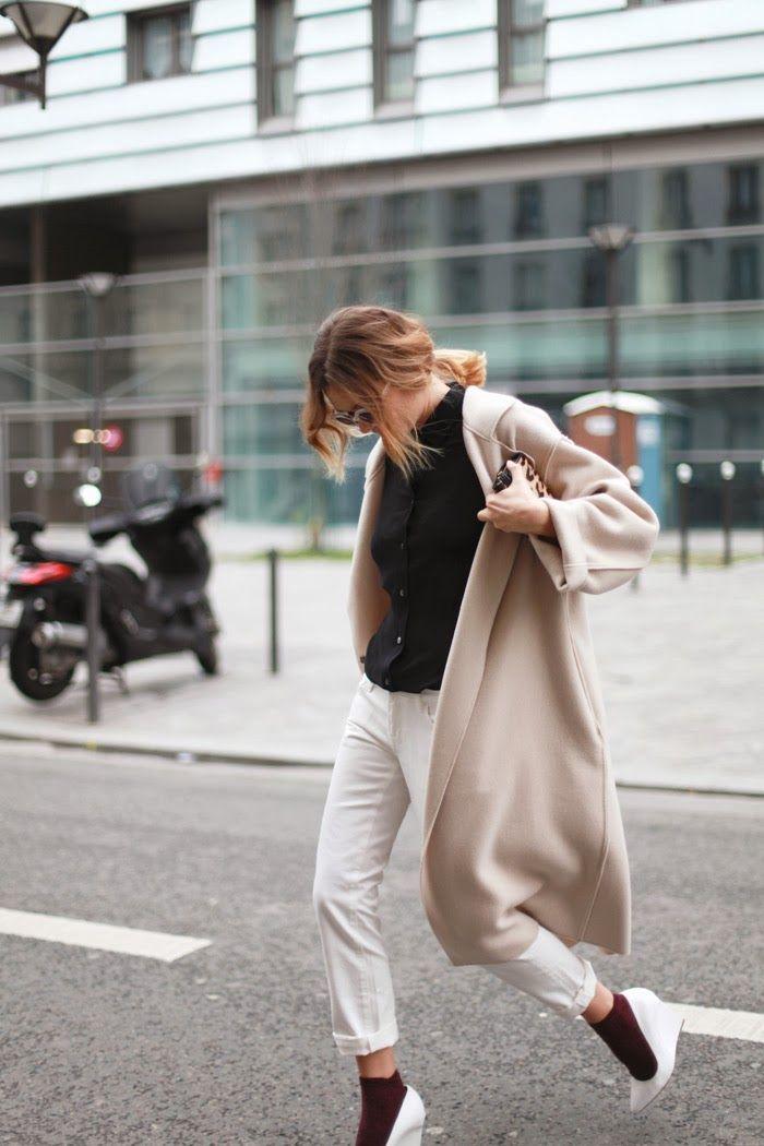 Look hier manteau long chaussures compenssées blanche
