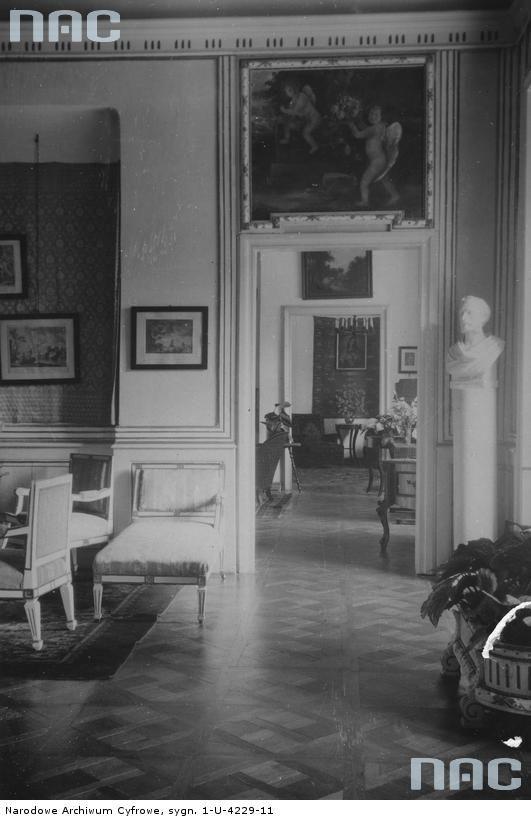 Tytuł tematu: Narol. Pałac Łosiów Opis obrazu: Fragmenty pokoi. Data wydarzenia: 1918 - 1939  Autor: Niedobitowski Ksawery (właśc. Roman Aftanazy)