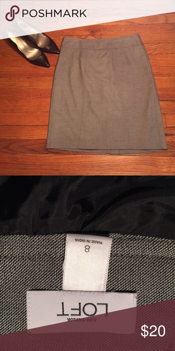 Anne Taylor Loft Gray Skirt Beautiful gray skirt size 8. Only worn once. Perfect to dress up or wear to the office! Ann Taylor Skirts Pencil