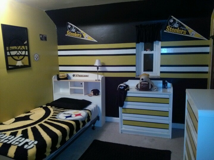 Steelers boys room love the steelers pinterest boy rooms boys and paint - Boys basement bedroom ...