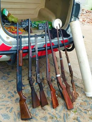 Em Boa Viagem: Policia Milita encontra armas e munição em residencia: ift.tt/1r8R2lc