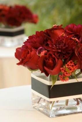 red rose centerpieces: Wedding Ideas, Wedding Centerpieces, Flower, Party Ideas, Center Pieces, Red Wedding
