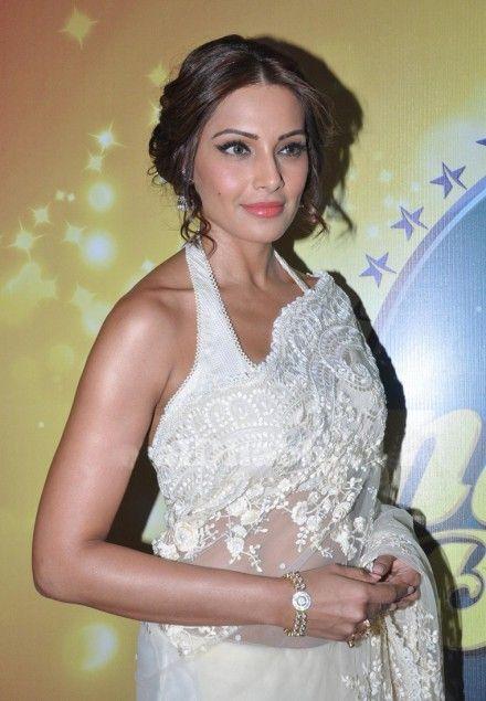 #ipasha Basu Style White #Bollywood #Saree At #Nach Baliye