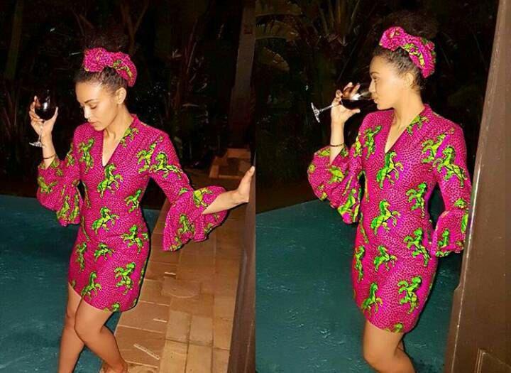 Ankara mini robe avec manches évasées et un enveloppement de la tête.  vêtements de rose dress.women d'ankara. la mode des femmes. saut d'obstacles en tissu ankara cheval. par AfricanSuperStore sur Etsy https://www.etsy.com/fr/listing/503626527/ankara-mini-robe-avec-manches-evasees-et