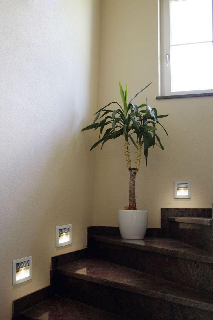 De trap mooi verlicht met deze inbouwspots verlichting woonkamer pinterest - Redo houten trap ...