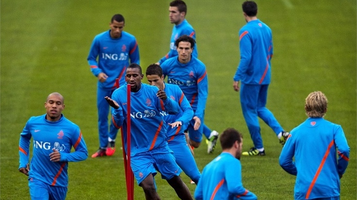 Dutch national football team's players take part in a training session in Katwijk, western Holland, on October 8, 2012. The Dutch team will play a World Championship qualifier against Andorra on October 12.
