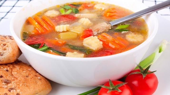 Добрый день, друзья! Благодаря правильному подбору ингредиентов, диетический суп из сельдерея для похудения способствует расщеплению жиров, выводит лишнюю жидкость из организма — диета на нем дает ошеломляющие результаты.