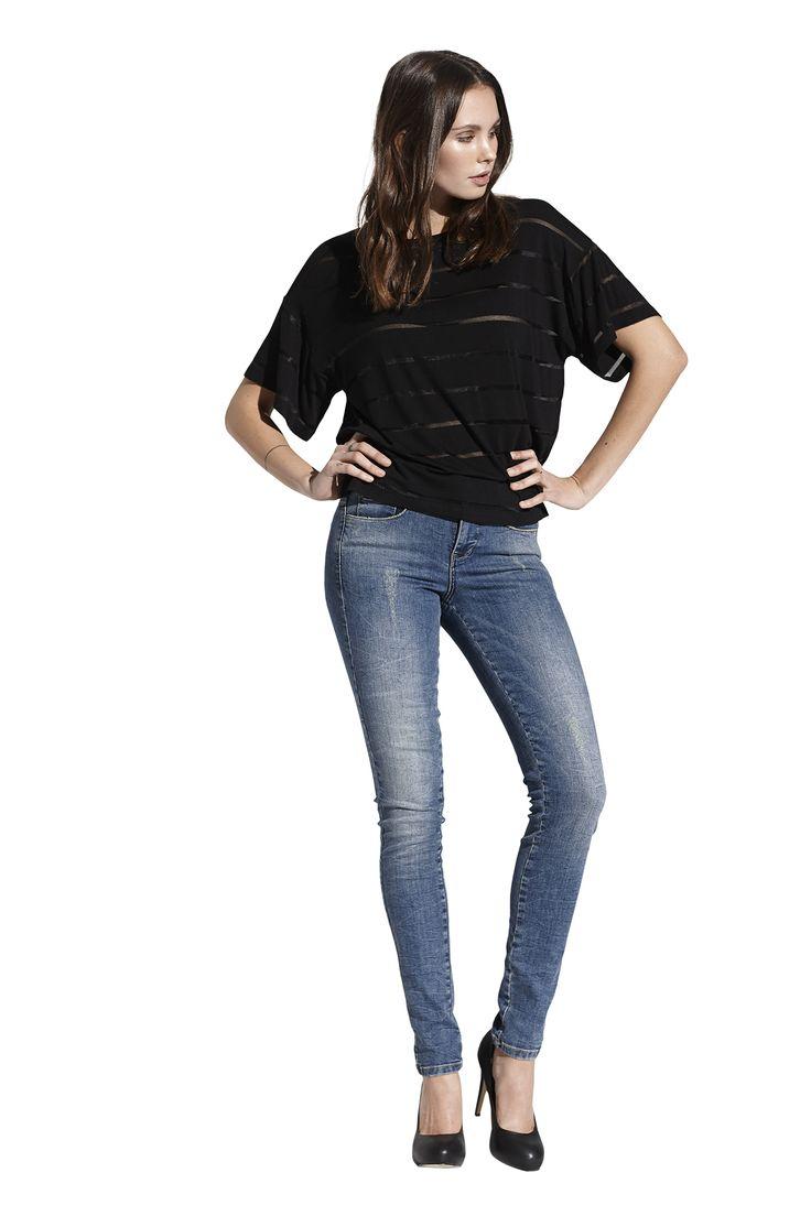 Freda top i sort og Fluorite slim jeans. Køb det på http://www.blackswanfashion.dk/ Freda top in black and Fluorite slim jeans. Buy it on http://www.blackswanfashion.com/ #blacktop #meshtshirt #meshtop #cutetop #basictop #keepitcasual #fashion #danish #design #bluejeans #jeans #cooljeans #blue #washedjeans #slimjeans #fittedjeans #cooljeans #womenjeans #ladyjeans #amazingjeans #fantasticjeans