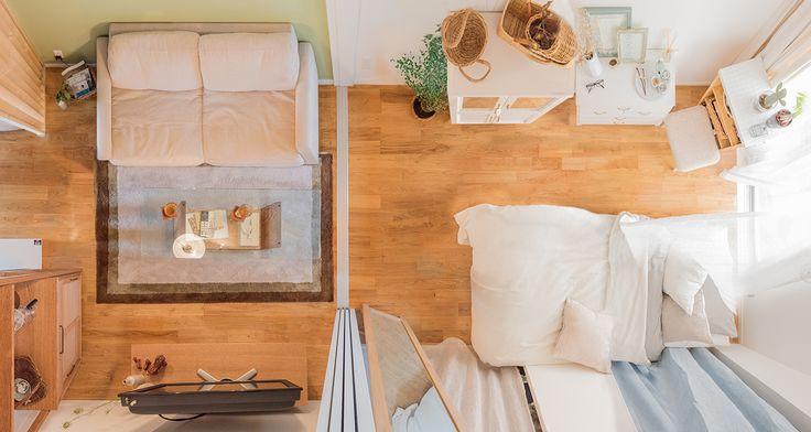 「家具はひとり暮らしのパートナー」。お部屋のプロの部屋 ひとり暮らし 一人暮らし 間取り ソファ 無垢材 リビング ナチュラル リノベーション 賃貸 ベッド くらし 部屋 内装 暮らし マイルーム 日々 住まい 賃貸インテリア 暮らしを楽しむ 緑 グリーン チェア Home   goodroom journal