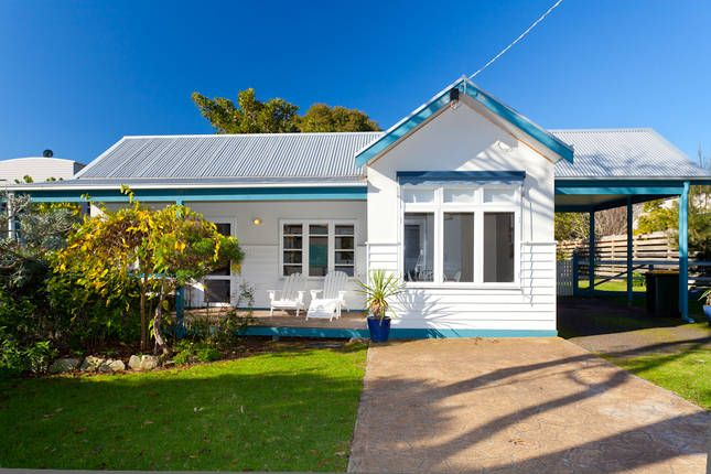Cornwall Cottage Cowes, a Cowes House | Stayz