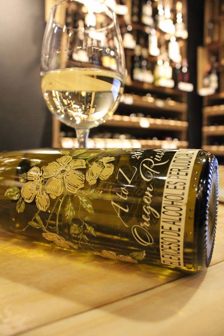 Tardes de buen vino desde nuestra Tienda de Vinos, Boutique 90! Riesling de A to Z Wineworks para hoy! www.daniel.com.co/Boutique90