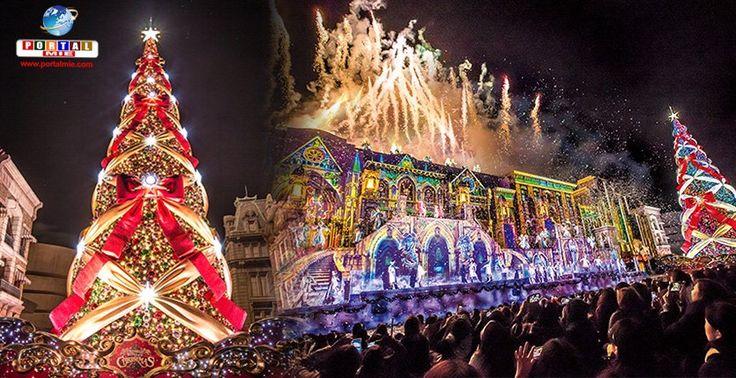 """Último ano da árvore de Natal da Universal Studios Japan, considerada a """"melhor do mundo"""". Aproveite sua chance."""