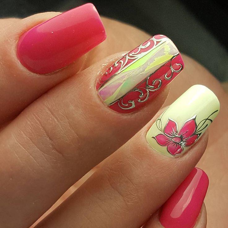 Сегодня играю в новую гель-краску Наяда СЕРЕБРЯНОЕ ЗЕРКАЛО👍  Очень красиво смотрится, похоже на идеальное литье; приемущество: её не надо закреплять, можно рисовать ей прямо по топу! #наядакиров #наядомания #наядовцы #наяда #ногтиподлак #ногтикиров #маникюркиров #курсыманикюракиров #битоестекло #дизайныгельлаками #росписьногтей #красивыеногти #красивыйманикюр