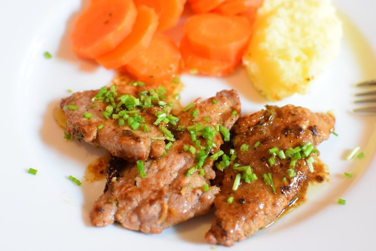 veal cutlets with lemon marinade, Italian recipe