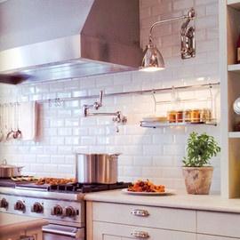 Metro Fliesen für den Fliesenspiegel in der Küche