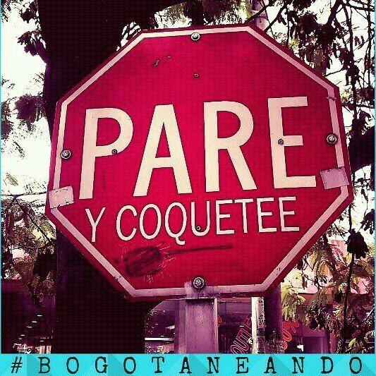 Lo que se encuentra en mi #bogotá. #streetstyle #streetart #streetphotography #bogotaneando #bogota #paisajeurbano #blogger