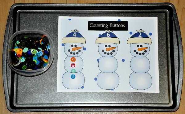 The Counting Christmas Snowmen Buttons Cookie Sheet Activity is a winter themed activity. In this activity, students count and sort buttons onto sorting mats. Four mats are included that focus on the numbers 1-12. Cookie sheet activities work well in learning centers as well as independent work stations.