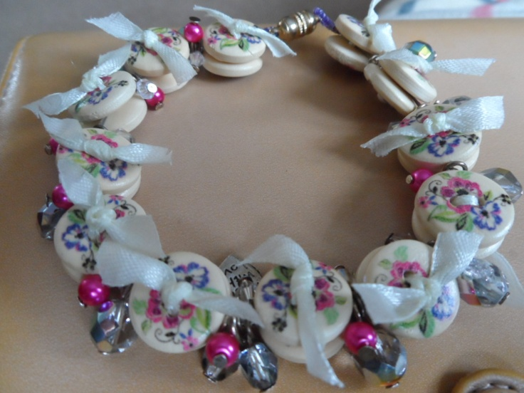 Ribbon wooden button bracelet with beads :-)