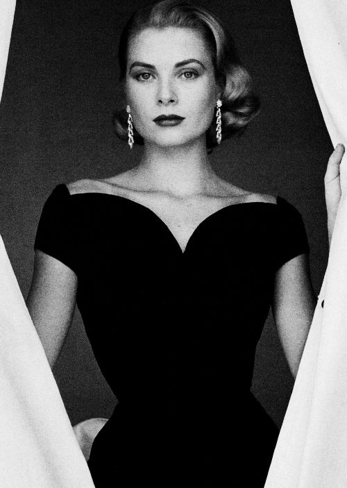 kellyandhepburn:  Princess Grace Patricia Kelly of Monaco | November 12, 1929 - September 14, 1982 I would like to be remembered as a person who accomplished something, who was kind and loving. I would like to leave behind me the memory of a human being who behaved properly and tried to help others.