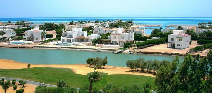 El Gouna är en av Egyptens nyaste semsterorter med golfmöjligheter och dykvatten.