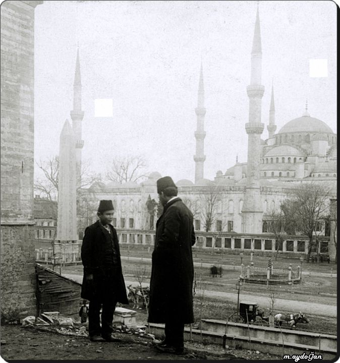 Sultanahmet camii ve dikilitaş. Obelisk statue & Sultan Ahmed Mosque - Istanbul 1900's.