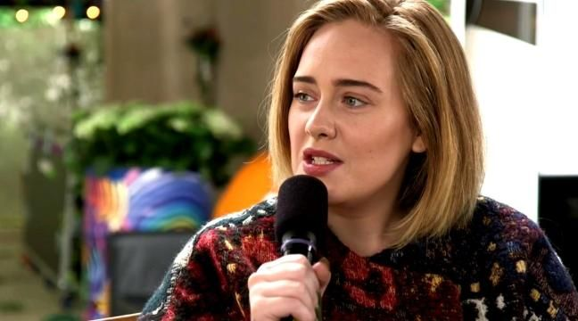 Adele does interview without makeup before her Glastonbury concert where she performed in front of over 150,000 people.