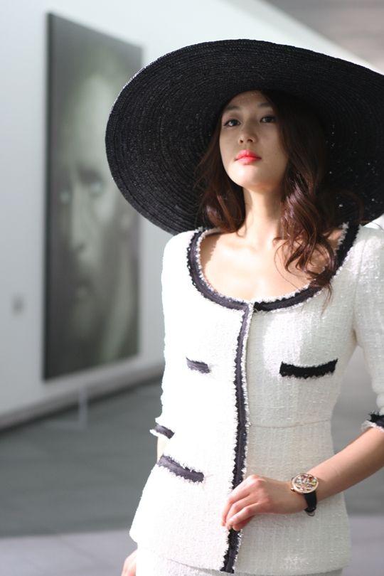 chanel suit :: Jun Ji Hyun