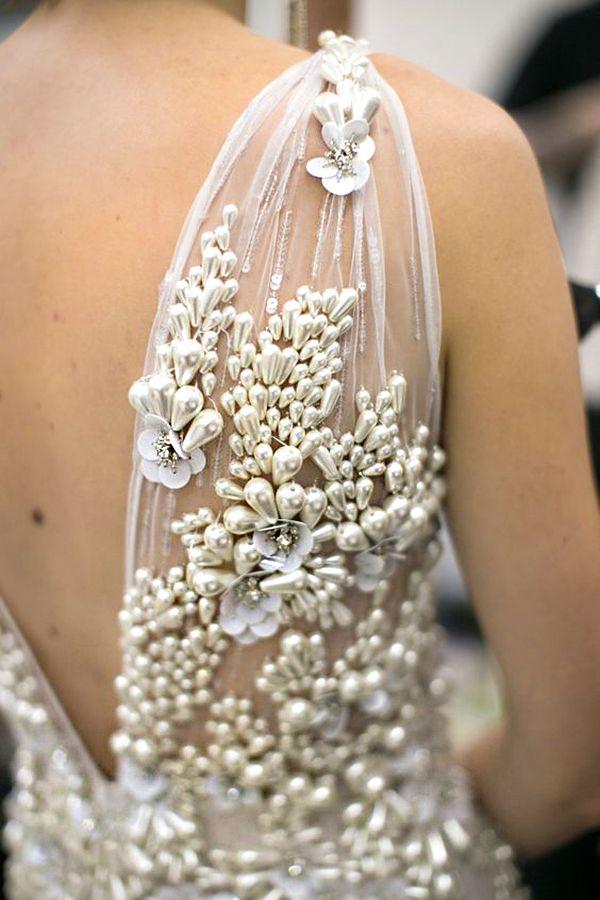 Details: amazing embroidery art in couture gowns | Объемная вышивка в коллекциях высокой моды. Новые находки - Ярмарка Мастеров - ручная работа, handmade