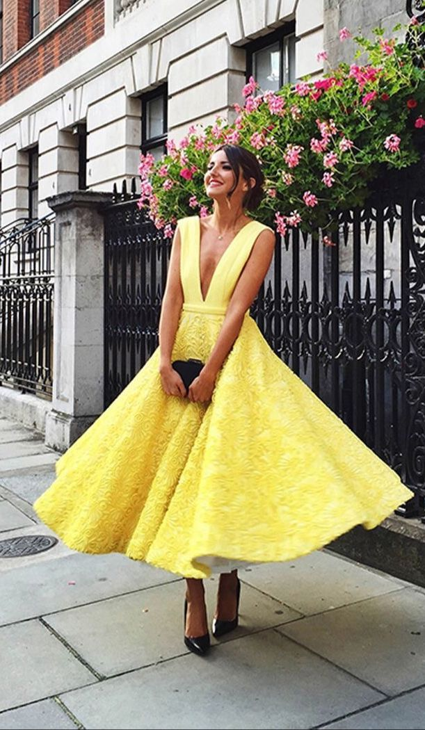 Cute yellow lace tea-Length prom dress, yellow evening dress    1:FOR CUSTOM SIZE What MEASUREMENTS ARE NEEDED FOR CUSTOM MADE DRESS?    (1). For long dress   Shoulder to shoulder: _______cm/inches   Bust____cm/inches   Waist___cm/inches   Hips____cm/inches   Hollow to floor without shoes___cm/in...