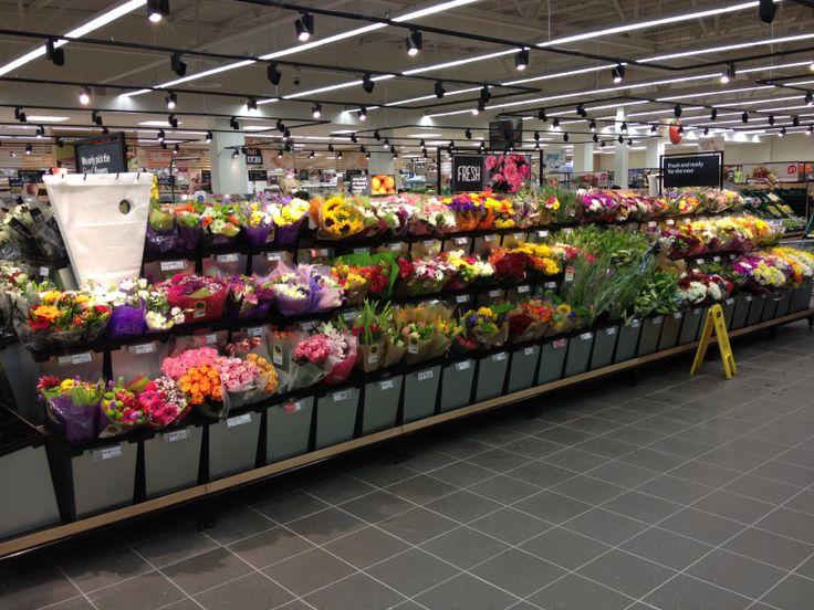 13 best Flower displays images on Pinterest | Gardening, Urban ...