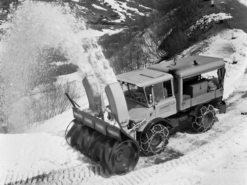 snow blowers - http://www.manufacturedhomepartsinfo.com/snowandiceremovaloptions.php
