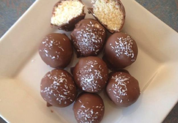 Bounty balls - Real Recipes from Mums
