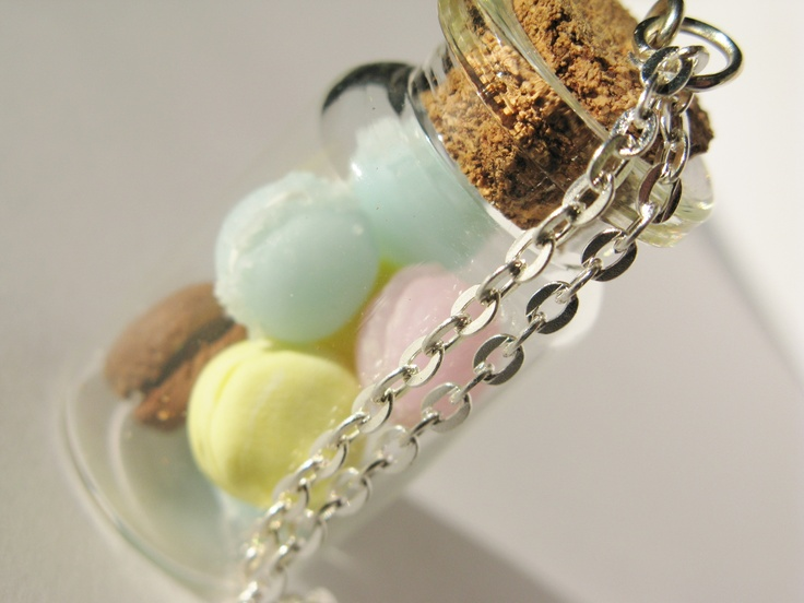 Fimo   clay  handmade  cernit: Clay Macaron, Clay Handmade, Chains, Fimo Clay, Miniatures Bottle, Vial Necklace, Clay Diy, Polymer Clay, Fimo Fun