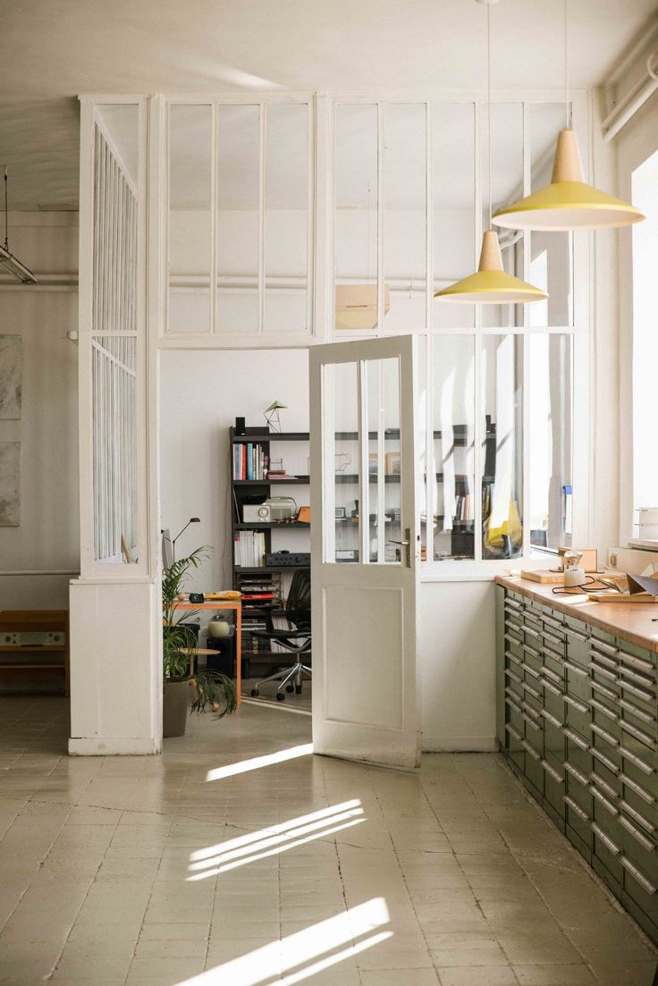 beautiful and bright office for the matre and the chef just between the kitchen and beautiful bright office