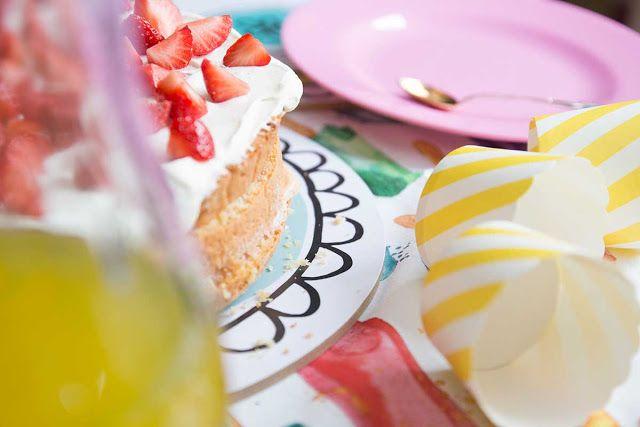 Käpynen Design kakkualuset / cake plates