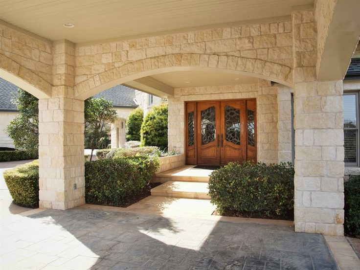 Porte cochere at front door google search home for What is a porte cochere
