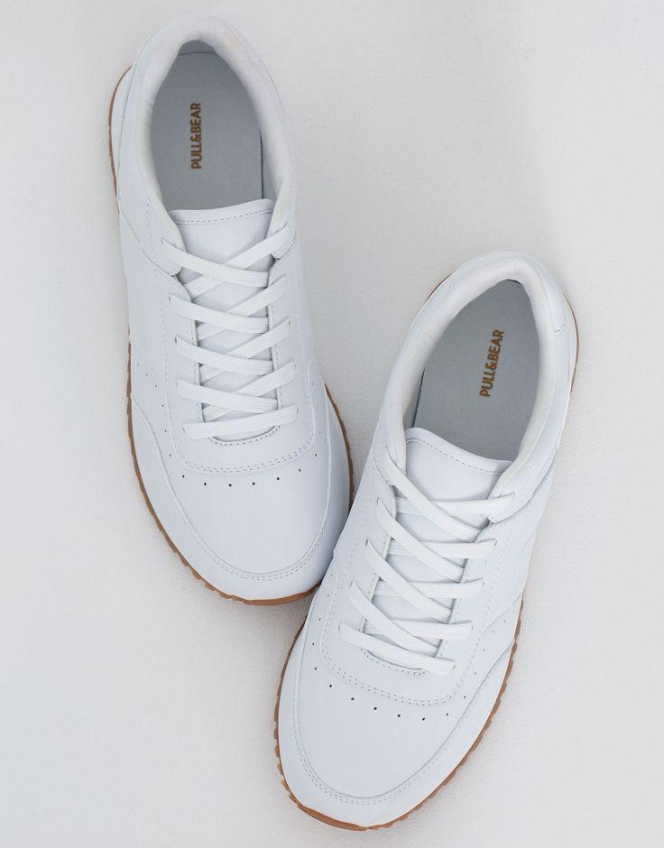 Modne buty sportowe - Buty - Nowości - Dla Niej - PULL&BEAR Polska