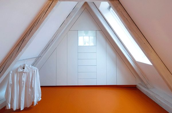 Stair Case Study House 01 by Gerd Streng, furniture in the attic