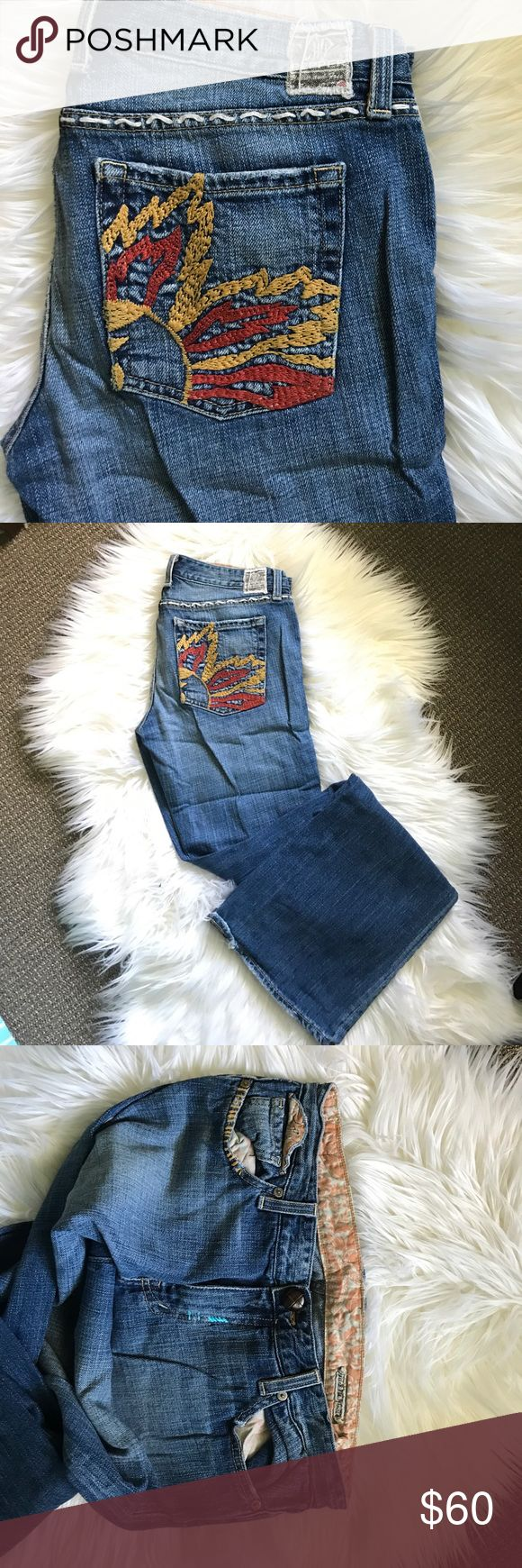 Rare Chip & Pepper Premium Denim Flare leg jeans Chip & Pepper - twin brothers who started there own denim company in LA way back  This style is amazing!!  Nearly 20 years old the style is called   Blazing Saddles and is so California beach boho - it's awesome!  Excellently preserved- the wash is beautiful- like you owned them forever : soft and supple.  Light blue wash with a cross-hatch outlook  Very cool & likely one of a kind by now! Embroidered detail as shown in pics Novelty button…